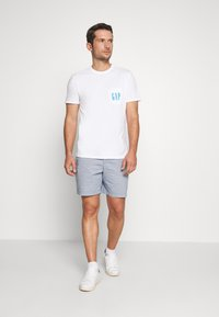 GAP - 90S LOGO - Print T-shirt - optic white - 1