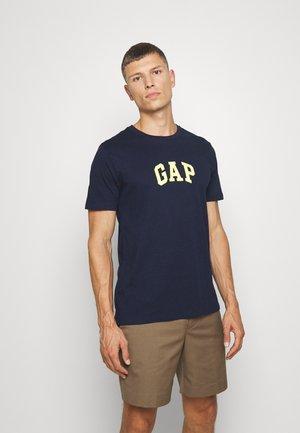 V-MINI ARCH LOGO - Print T-shirt - tapestry navy