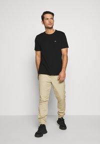 GAP - CREW 2 PACK - Basic T-shirt - black - 0