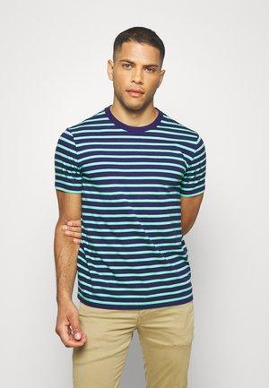CLASSIC - T-shirt z nadrukiem - navy/green