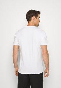 GAP - BAS ARCH - Print T-shirt - white - 2