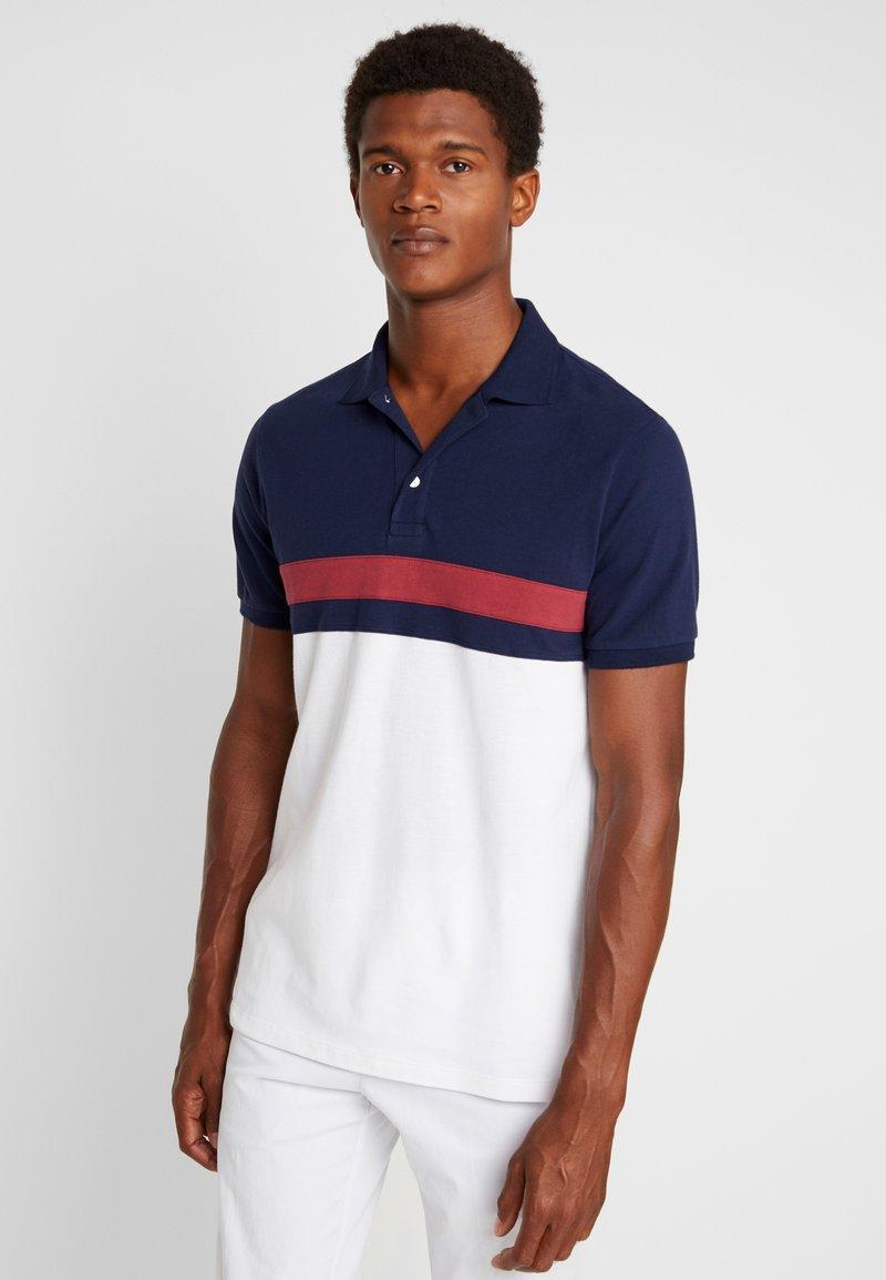 GAP - YOKE - Polo shirt - white/dark blue/red