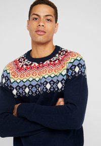 GAP - FAIRISLE YOKE CREW - Jumper - tapestry navy - 4