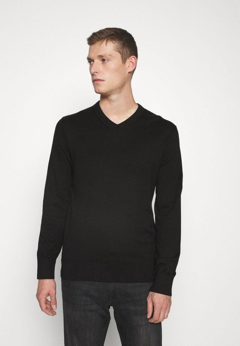 GAP - MAINSTAY VEE - Jersey de punto - true black