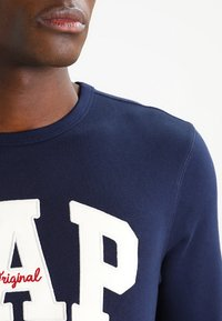GAP - ORIGINAL ARCH CREW - Sweatshirt - tapestry navy - 3