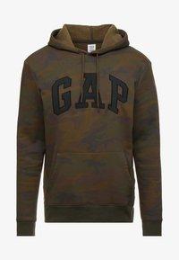 GAP - ARCH FLAG - Bluza z kapturem - green - 4