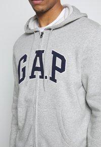GAP - ARCH - Mikina na zip - light heather grey - 5