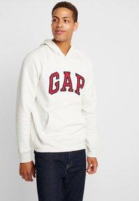 GAP - ARCH  - Jersey con capucha - carls stone - 0