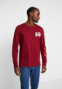 GAP - ARCH - Camiseta de manga larga - garnet - 0