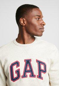 GAP - ARCH CREW - Sweater - oatmeal heather - 4