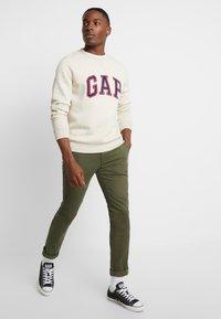 GAP - ARCH CREW - Sweater - oatmeal heather - 1