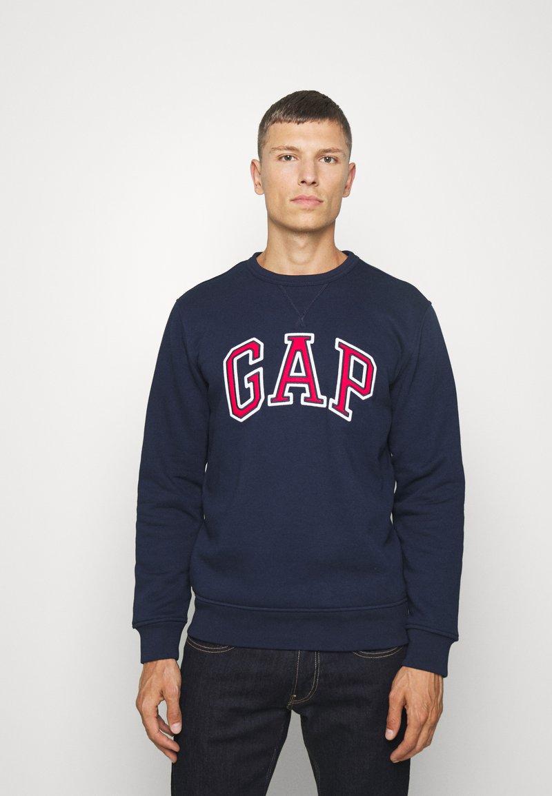 GAP - ARCH CREW - Sweatshirt - tapestry navy