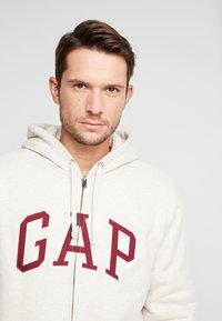 GAP - ARCH SHERPA  - Zip-up hoodie - oatmeal heather - 3