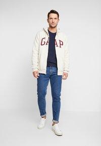 GAP - ARCH SHERPA  - Zip-up hoodie - oatmeal heather - 1