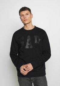 GAP - CREW - Sweatshirt - true black - 0