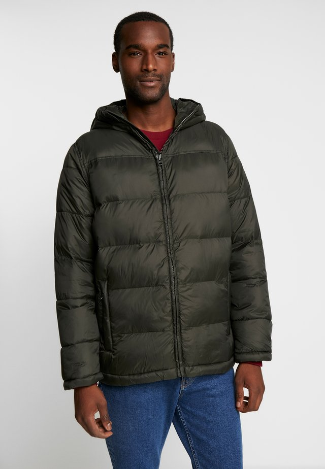 HOODED HEAVYWEIGHT PUFFER - Kurtka zimowa - black grass