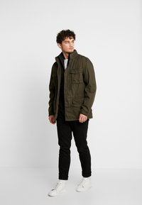 GAP - FATIGUE JACKET - Summer jacket - deep woods - 1