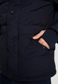 GAP - PUFFER JACKET - Zimní bunda - new classic navy - 5