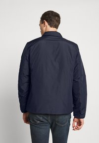 GAP - V-TECH BOMBER - Välikausitakki - new classic navy - 2