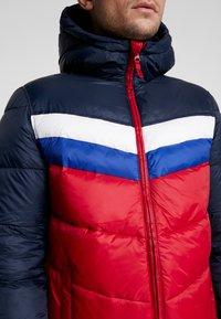 GAP - V-HOODED NOVELTY HEAVYWEIGHT PUFFER - Light jacket - navy - 5