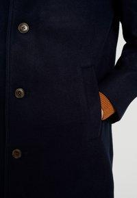 GAP - V-SOFT OVERCOAT - Płaszcz wełniany /Płaszcz klasyczny - new classic navy - 5