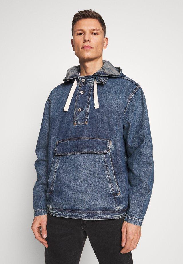 Giacca di jeans - washed denim blue
