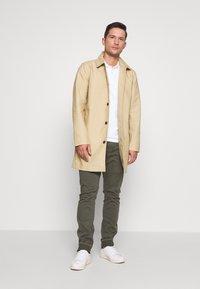 GAP - LONG MACK - Krátký kabát - khaki sand - 1