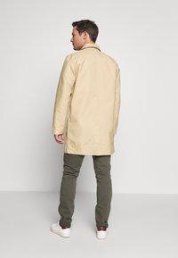 GAP - LONG MACK - Krátký kabát - khaki sand - 2