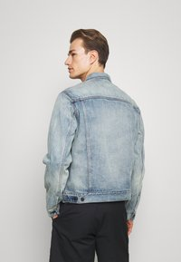 GAP - ICON  - Kurtka jeansowa - light blue denim - 2