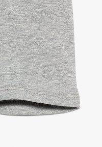 GAP - TODDLER GIRL TUMBLE - Shorts - light heather grey - 2