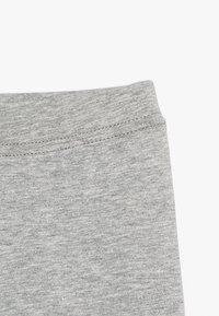 GAP - TODDLER GIRL TUMBLE - Shorts - light heather grey - 4