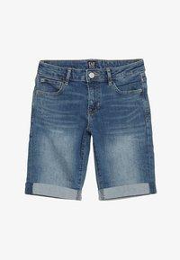 GAP - GIRLS BOTTOMS  - Shorts vaqueros - medium wash - 2