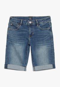 GAP - GIRLS BOTTOMS  - Shorts vaqueros - medium wash - 0