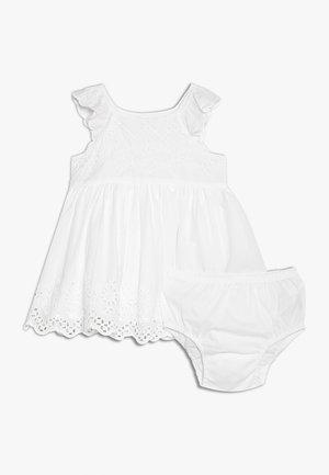 EYELET BABY - Juhlamekko - optic white