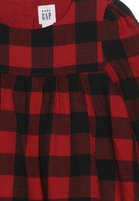 GAP - TODDLER GIRL SHIFT  - Vestido informal - red - 3