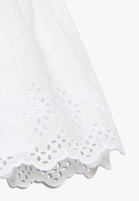 GAP - EYELET DRESS - Robe d'été - optic white - 2