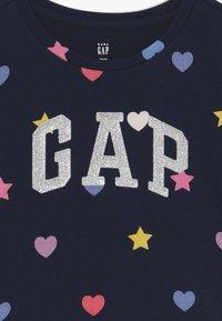 GAP - TODDLER GIRL LOGO - Camiseta estampada - geo heart - 3