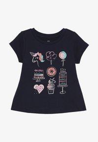 GAP - TODDLER GIRLS  - T-shirt imprimé - blue galaxy - 2