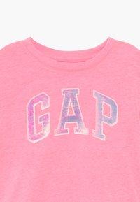 GAP - GIRL ARCH - Print T-shirt - neon impulsive pink - 3