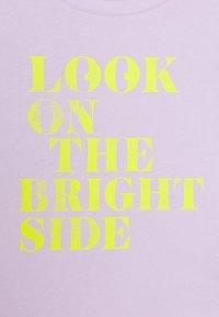GAP - GIRLS BOXY - T-shirt print - pale lilac - 2