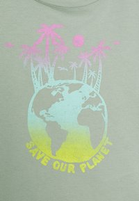 GAP - GIRLS BOXY - Print T-shirt - jadeite - 2