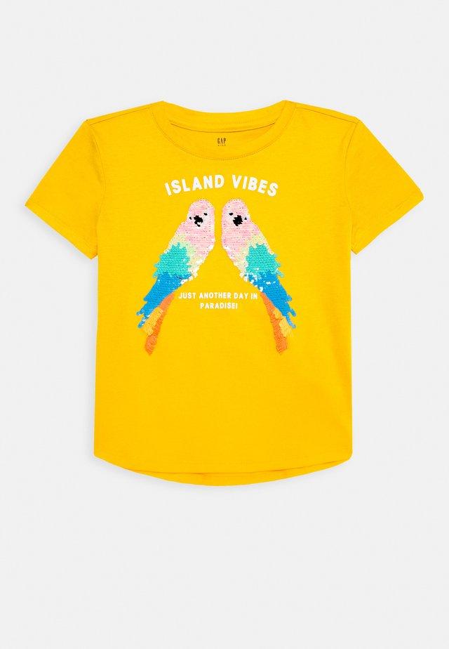 GIRL - T-shirt con stampa - yellow sundown