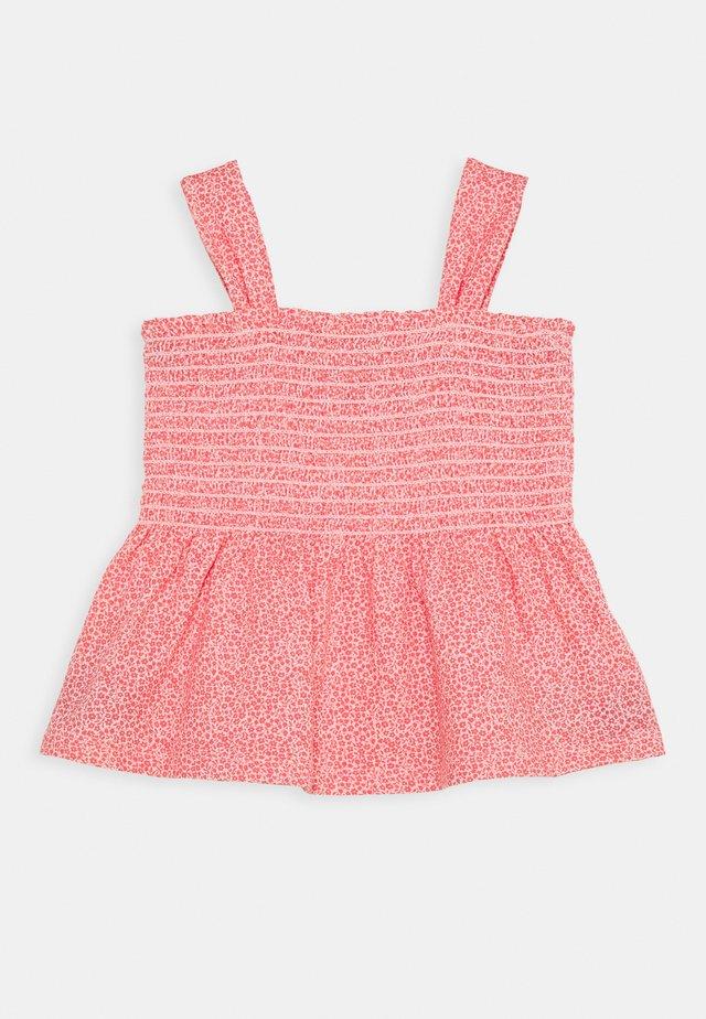GIRL SMOCKED TANK - T-shirts print - satiny pink