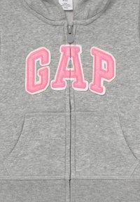 GAP - TODDLER GIRL BASIC FULL ZIP - Hoodie met rits - light heather grey - 3