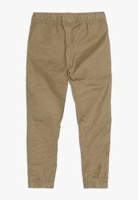 GAP - BOY CLASSIC JOGGER - Pantaloni - cream caramel - 1