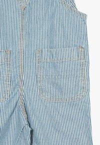 GAP - TODDLER BOY SHORTALL - Tuinbroek - light blue denim - 4