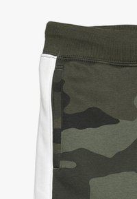 GAP - BOYS ACTIVE LOGO  - Spodnie treningowe - green - 2