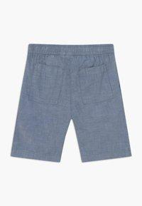 GAP - BOY EASY - Shorts - blue chambray - 1