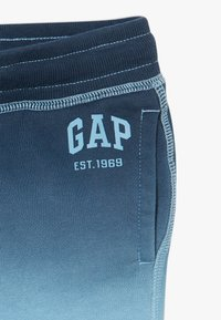 GAP - TODDLER BOY DIP DYE LOGO  - Shorts - blue - 2