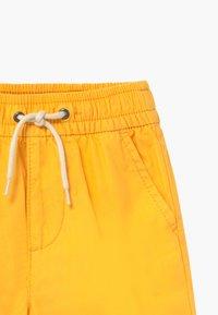 GAP - TODDLER BOY  - Kraťasy - canary yellow - 3